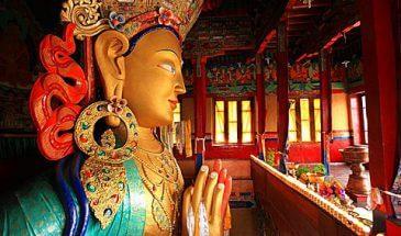 statue of Maitreya